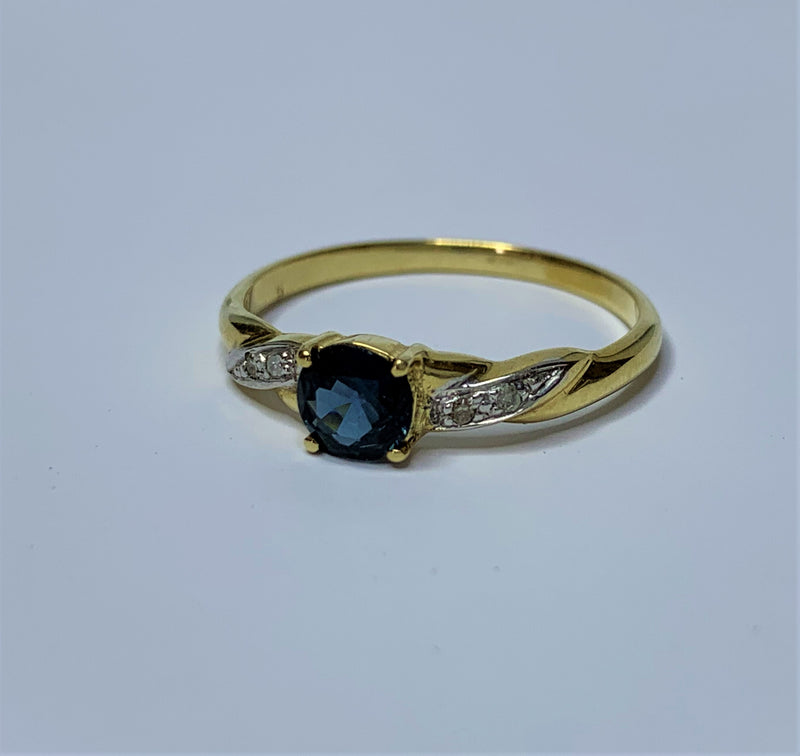 9ct Yellow Gold Round Sapphire and Diamond Twist Ring