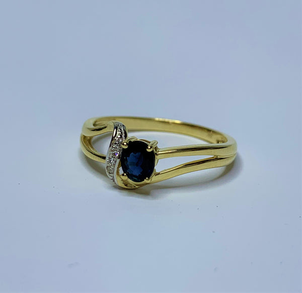 9ct Yellow Gold Oval Sapphire and Diamond Swirl Ring