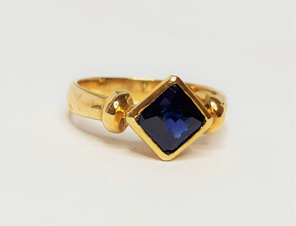 9ct Yellow Gold Checkerboard Square Bezel Ring