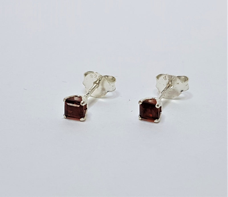 Sterling Silver Princess Cut Garnet Studs