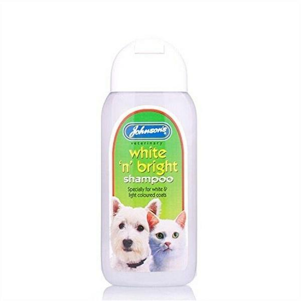 Johnson's White 'N' Bright Shampoo, 125ml