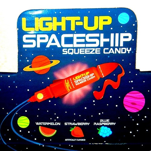 Light-up Spaceship with squeeze candy - 12ct