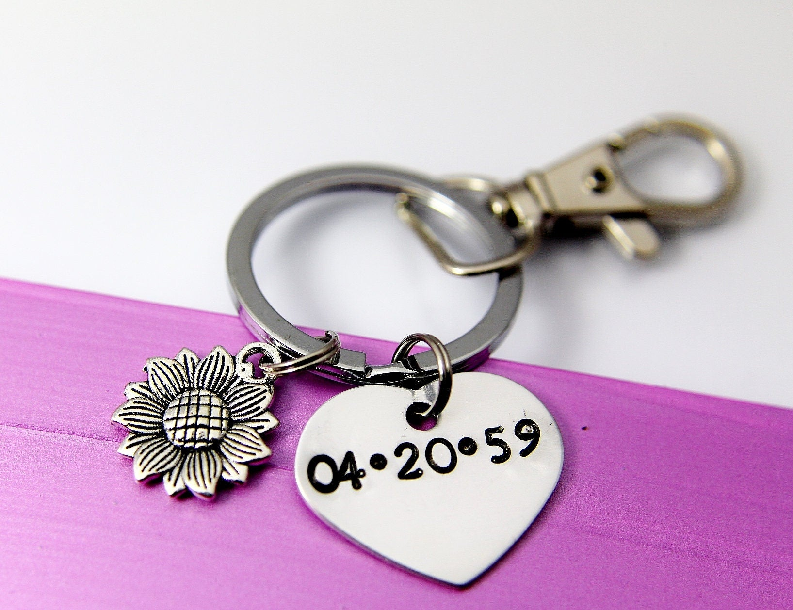 Sunflower Keychain, Anniversary Gift, Date Name Keychain, Hand Stamp Date o Name Heart Charm, Girlfriend Gift, N1341