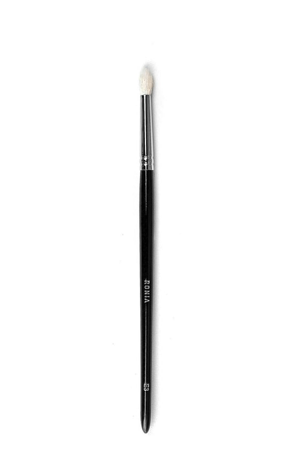 E3: Small Tapered Crease Blending Brush