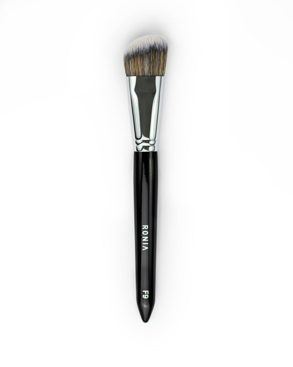 F9: Angled Foundation Brush