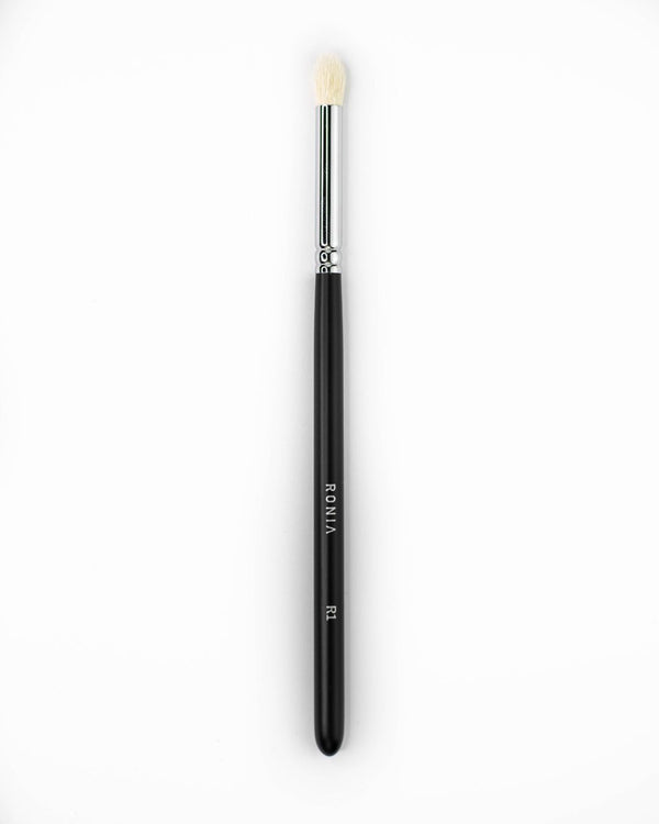 R1: Blending eye shadow brush