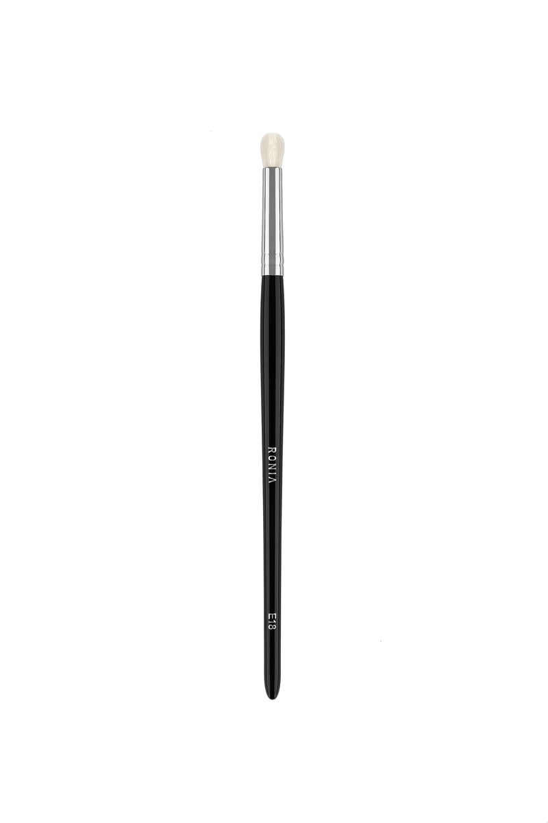 E18: SMALL EYE SHADOW  BLENDING BRUSH
