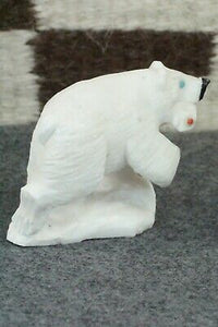 Bear Zuni Fetish Carving - Derrick Kaamasee