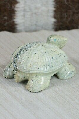 Turtle Zuni Fetish Carving - Nelson Yatsattie