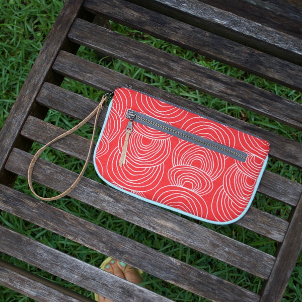Essential Clutch Red Ripple