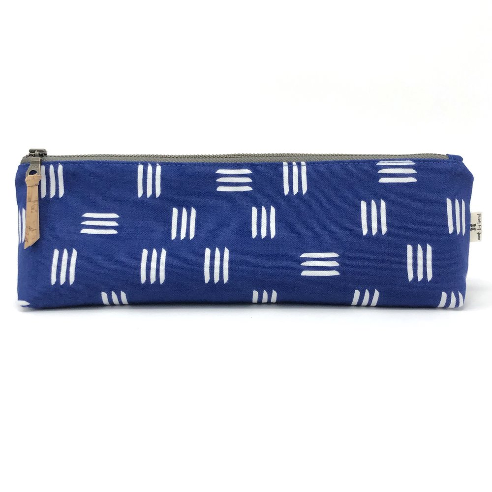 Pencil/Oblong Pouch Blue Dashes