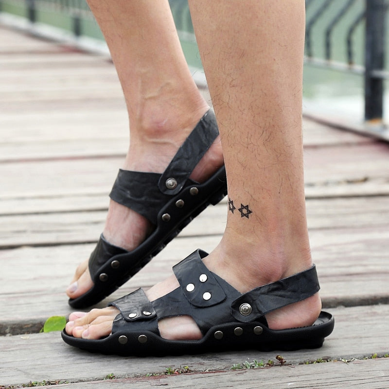 Men Summer Leather Sandals Light Soft Footwear Casual Slip On Beach Sandals Fashion Outdoor Shoes Size 36-47 XML281
