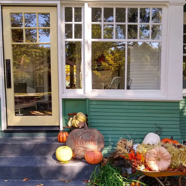 Fall decorated cottage bungalow