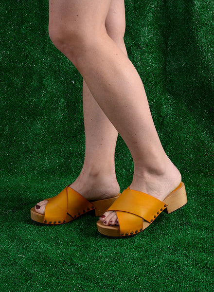 Lisa B. Criss Cross Low Heel - Mango
