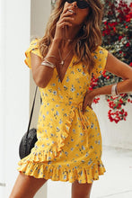 Load image into Gallery viewer, Casual Floral Print Vacation Mini Dress