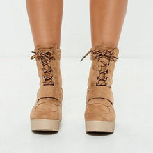 Load image into Gallery viewer, Fashion Casual Wild Style Middle Height Heel Boots