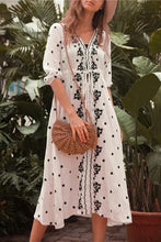 Load image into Gallery viewer, Bohemia Style Embroidery Beach Vacation Maxi Dress