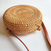 Load image into Gallery viewer, Handmade rattan hollow surface mini single shoulder oblique span round bag