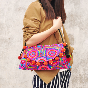 National Wind Embroidery Embroidery Hair Ball Shoulder Bag