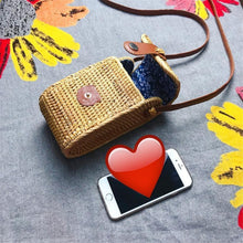Load image into Gallery viewer, Handmade rattan PU leather buckle crossbody bag