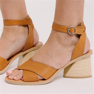 Vintage Style Chunky Heel Sandals  Features Short And Simple Sandals