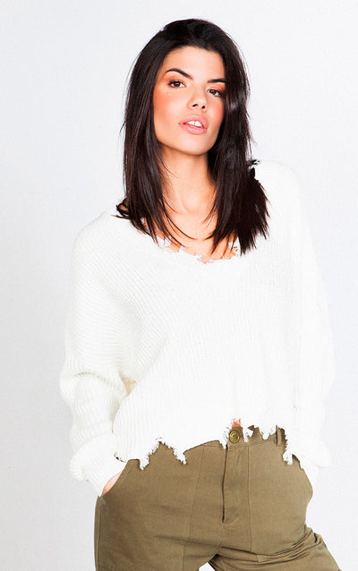 FRAYED TRIM V-NECK LONG SLEEVED SWEATER