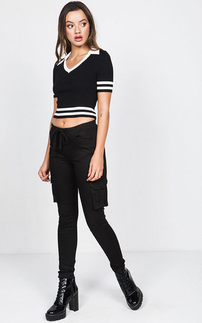 STRIPED COLLARED RIBBED KNIT CROP TOP