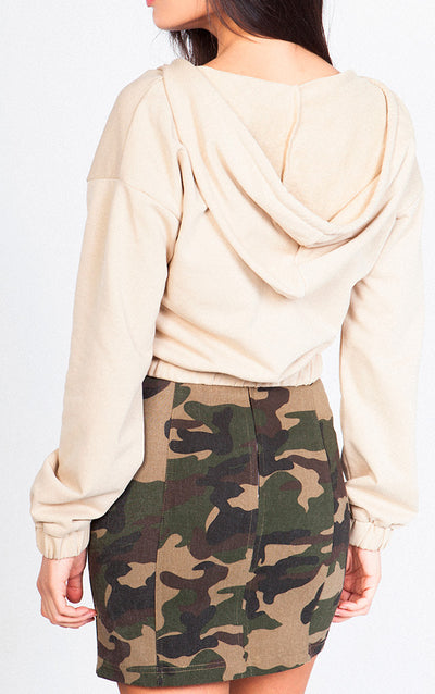 HALF ZIP CROPPED HOODIE WITH STRING AT THE BOTTOM