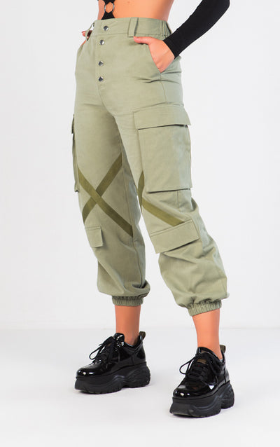 KNEE X DETAIL CARGO PANTS