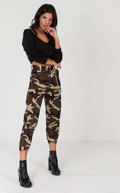 CARGO PANT WITH CHAIN