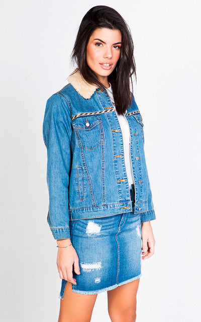 DENIM JACKET WITH SHEARLING COLLAR AND BACK DESIGN