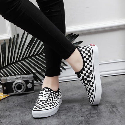 Casual Black And White Plaid Flat Women Canvas Shoes