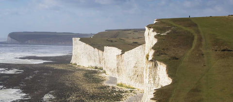 walk along the seven sisters on the sussex coast