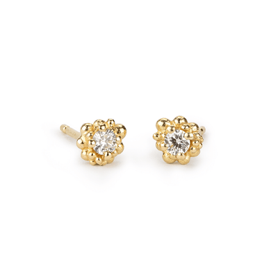EC一Hannah Bedford recycled gold Diamond Cluster Studs