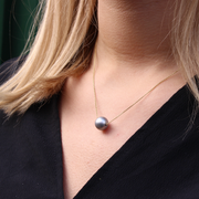 EC One Single Grey Pearl Gold Necklace