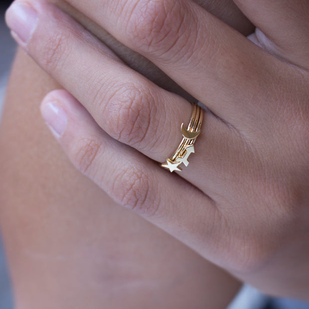 EC One Arrow 18ct Gold Stacking Ring
