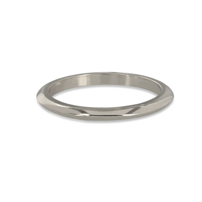 EC一Knife Edge White recycled Gold Wedding Ring