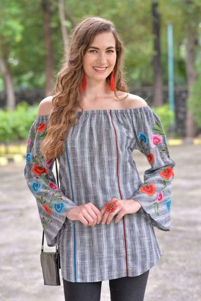 Avani Del Amour TOP All About Me Embroidered Sleeve Tunic