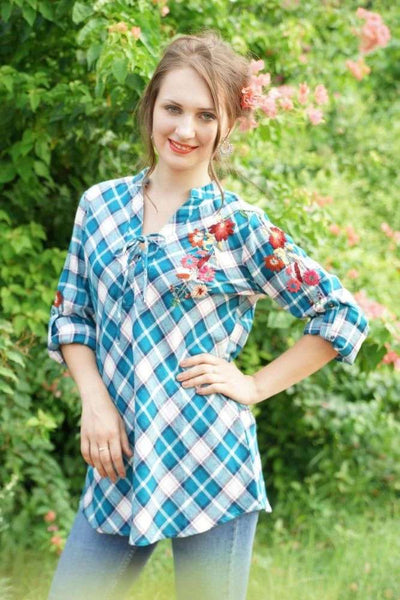 Avani Del Amour TOP Mad For Plaid Embroidered Button Down
