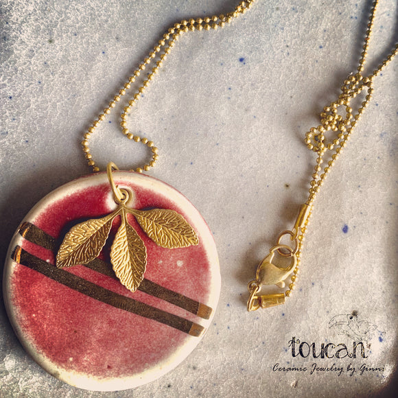 Wine Red : Gold Lined Neckpiece