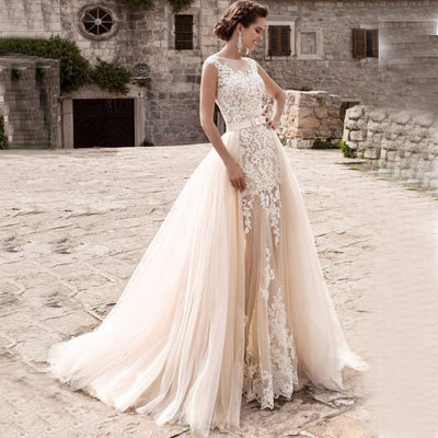 CW192 Charming mermaid Bridal Gown with detachable skirt