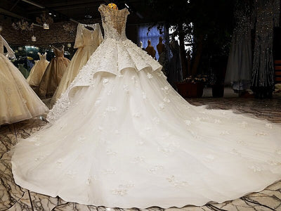 luxury cap sleeves puffy skirt wedding dress with train