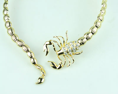 BJ89 Trendy scorpion necklace (Gold/Silver)