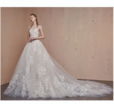 Dazzling lace Wedding gown with court train