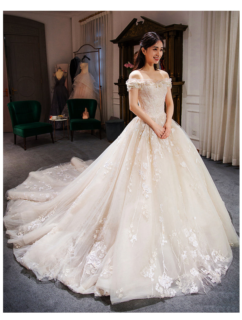 Embroidered Wedding Dress.Elegant Boat Neck Embroidered Wedding Gown With Royal Train