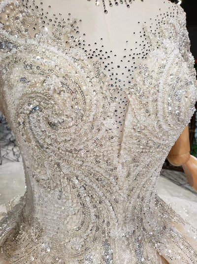 HW85 Luxury vintage high neck lace wedding Gown with ruffle train