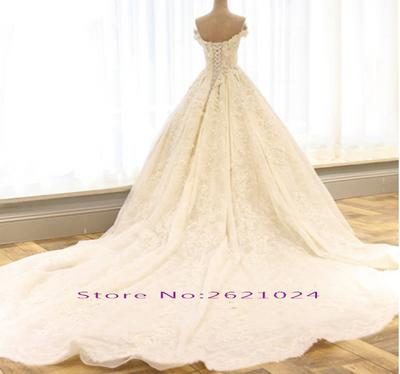 Plus size pearls  beaded lace appliques flowers Wedding Dress
