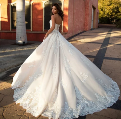 HW78 Strapless Appliques Tulle A-line Wedding Dress