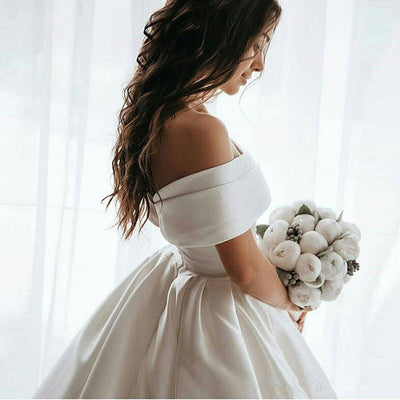 CW445 Simple Off the shoulder A-line Wedding dress with train