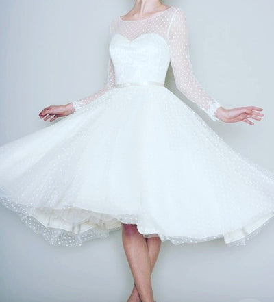 SS09 Plus Size Vintage  Sleeve Short Wedding Dress